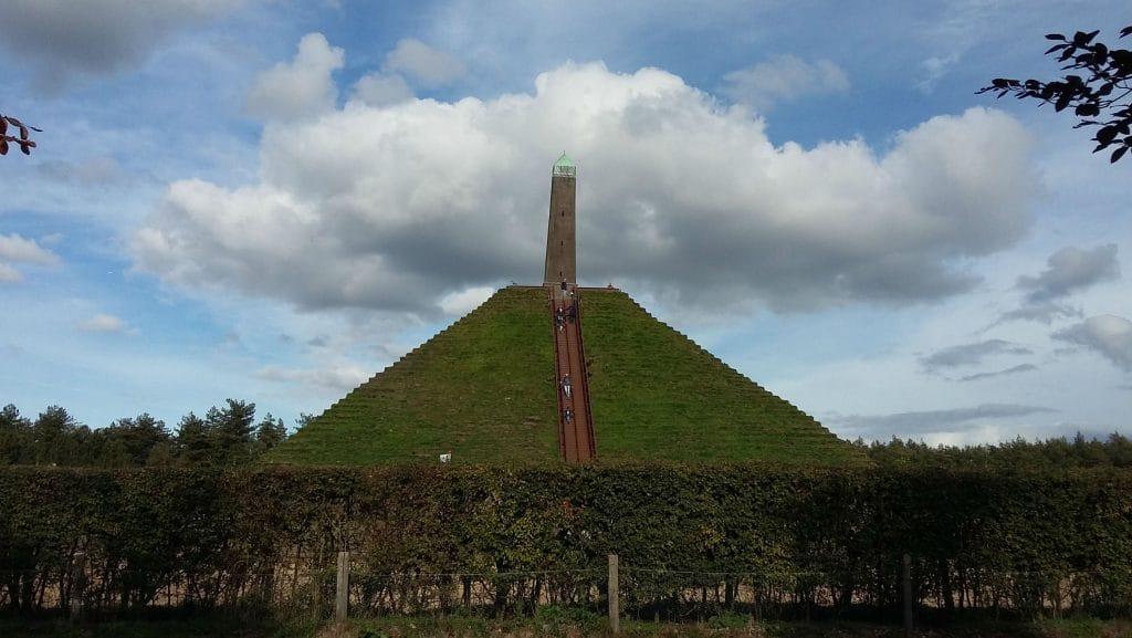 De piramide van Austerlitz