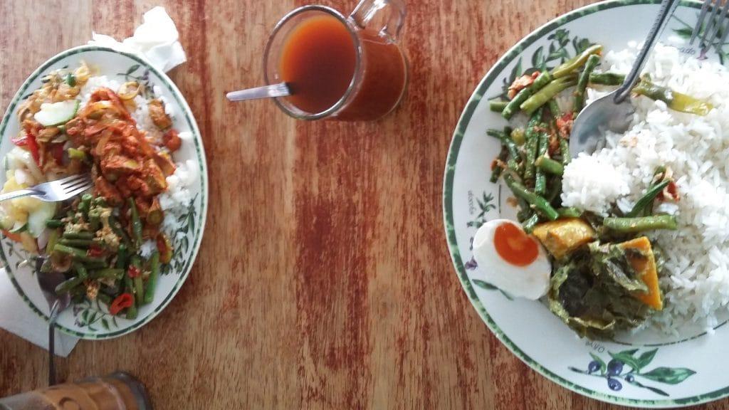 Rijst met groenten en ei