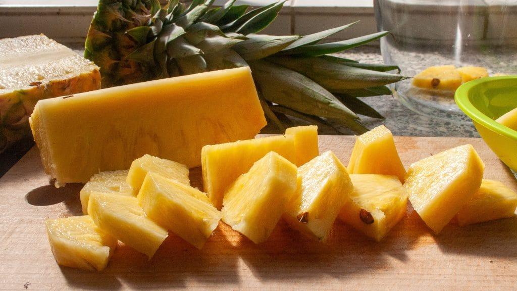 Ananas in stukjes