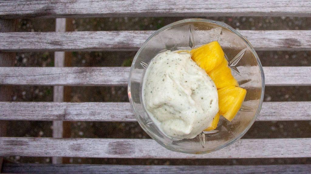 Frozen yogurt met munt