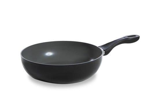 Zwarte wok met platte bodem