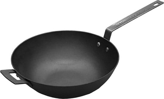 Matzwarte wok met donkergrijze metalen steel en handvat