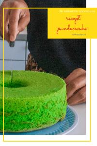 Een groene pandancake wordt aangesneden